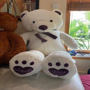 """דגם """"אנג'ל""""-דובי ענק עם צעיף סגול 2 מטר לבן + רגליים לבבות"""