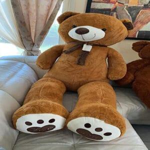 דובי ענק עם צעיף 2 מטר – חום בהיר + רגליים לבבות