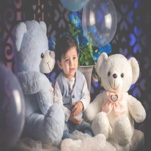 דובי ענק עם תינוק חמוד